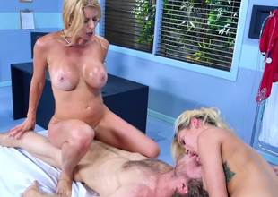 Four chicks ragging coupled with stimulate one different in a threesome