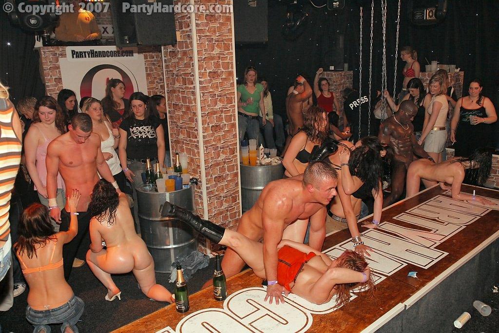 Вечеринки москве смотреть в свингерские порно