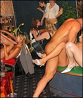 porno-vecherinka-v-restorane